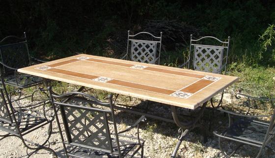 1268753494_81010224_1-Immagini-di--Vendo-tavolo-da-giardino-in-marmo